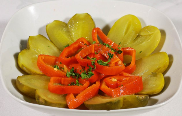 Salata de castraveti in otet