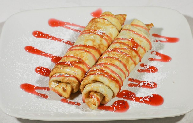 Clatite cu dulceata de afine